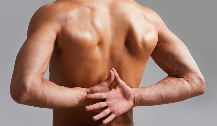 Причины боли в спине