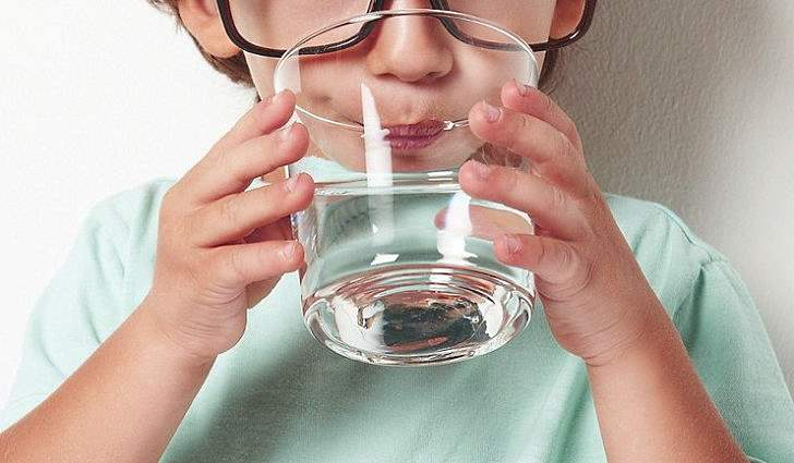Чистая вода удаляет шлаки
