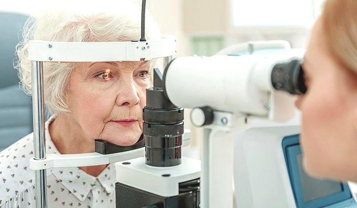Обследование глаз при диабетической ретинопатии