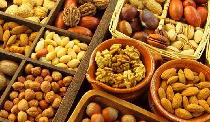 Орехи содержат волокна