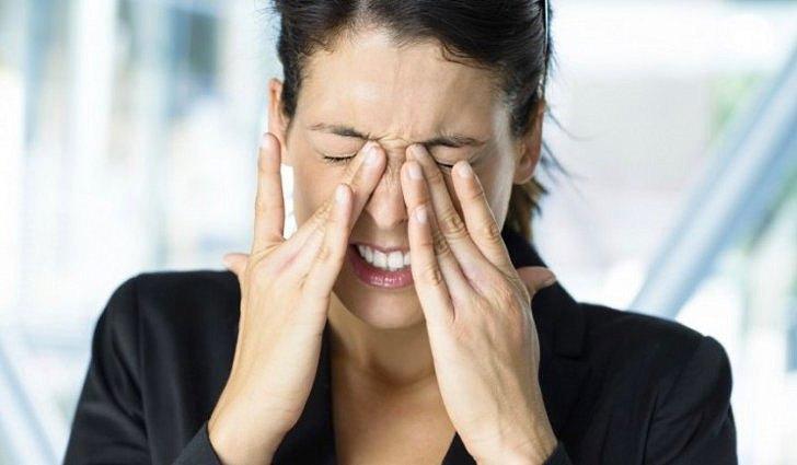 Симптомы и причины мигрени