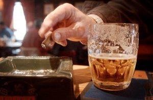 Злоупотребление табачной, алкогольной продукцией