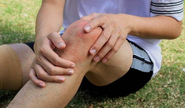 Первая помощь при ушибе ноги