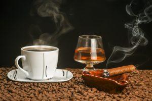 Кофе, коньяк, сигареты