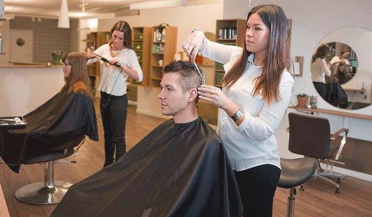 Как защитить себя от ВИЧ в парикмахерской
