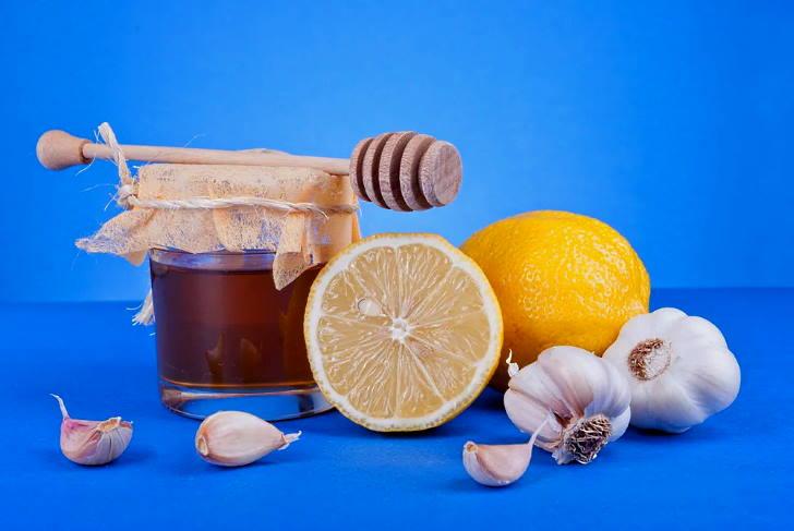 Мед, чеснок и лимон в рецепте лечения стенокардия