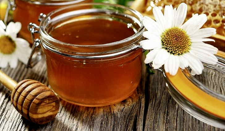 Пчелиный мед лечит гайморит