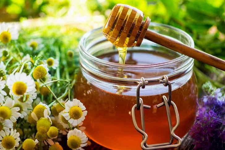 Натуральный мед входит в народный рецепт лечения стенокардии