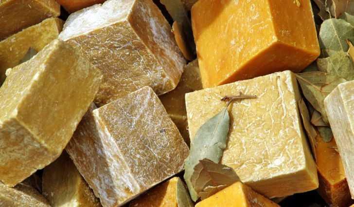 Хозяйственное мыло от пяточных трещин